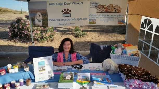 Kelly Preston with Mister Spunky and Real Dogs Don't Whisper Pet Expo Glendale AZ 2015